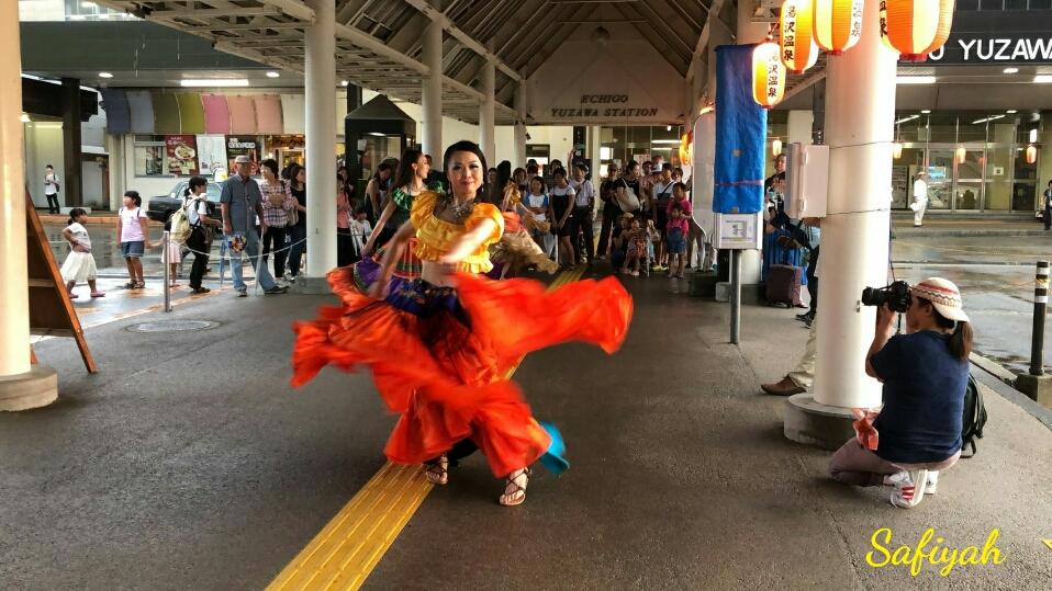越後湯沢夏祭りショー1